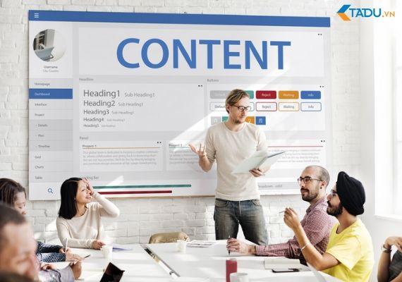 thu thập content từ khách hàng